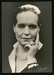 Les oubliés de l'histoire - Louise Weiss, une femme pour l'Europe, de Jacques Malaterre
