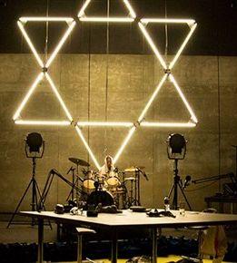 The Jewish Hour, de Yuval Rozman