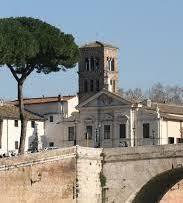Invitation au voyage Rome:  l'île Tibérine, depuis toujours dédiée aux soins.