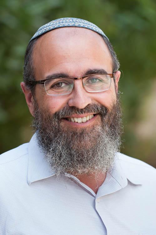 Repenser le vécu de la prière au 19e siècle: texte, musique et architecture, avec Yehouda Bitty