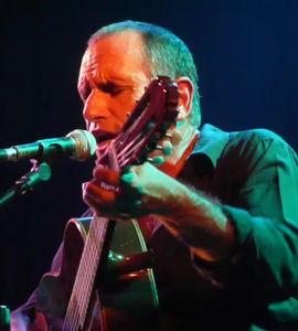 David Broza, accompagné de 3 musiciens