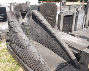 """Le cimetière Juif """"oublié"""" d'Auderghem, avec Moshe Bendavid"""