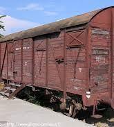 Un wagon et des camps