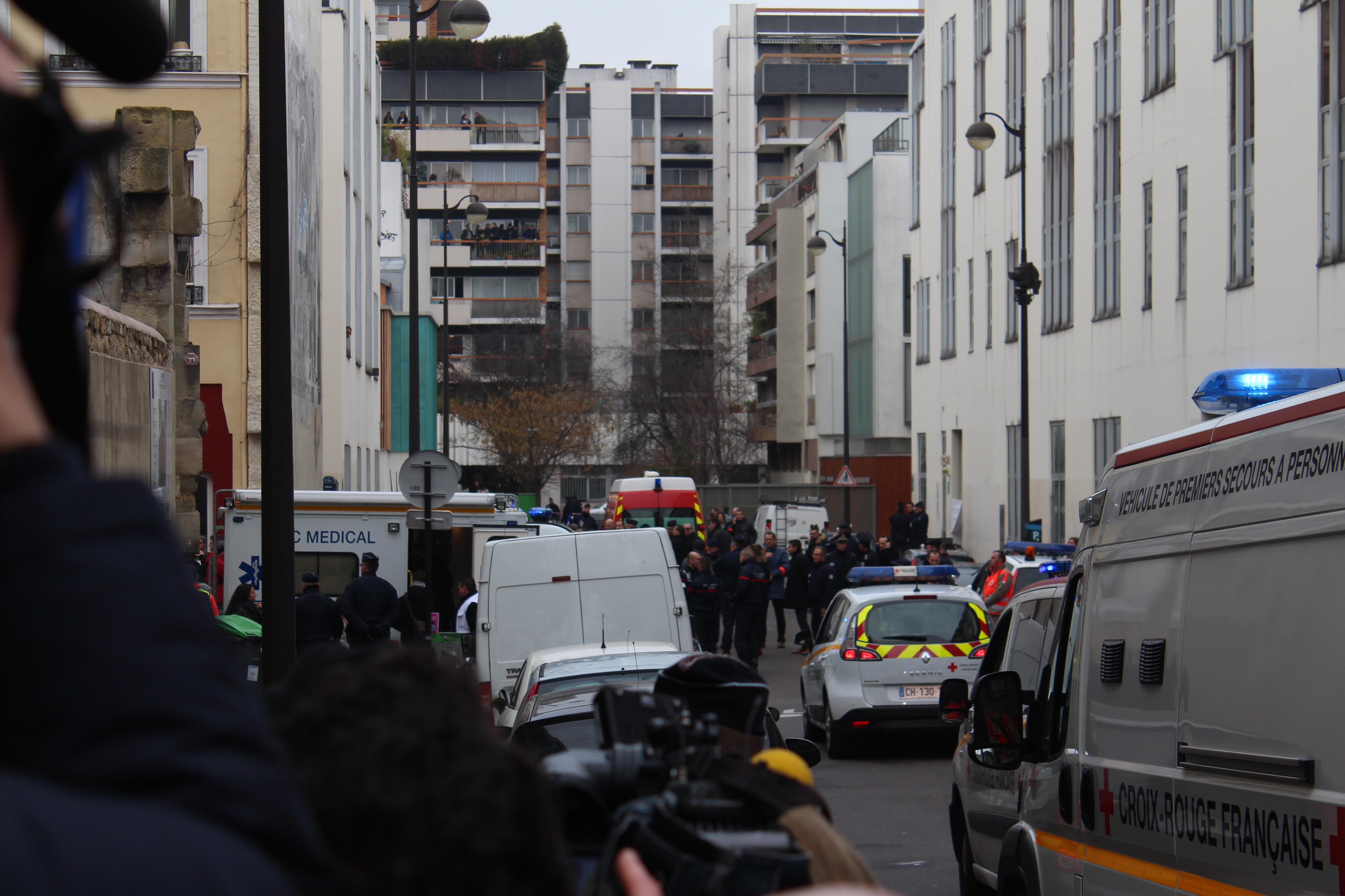 Documentaire: Paris est une cible