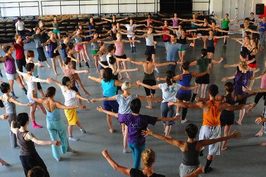 Batsheva Dance Company - Three