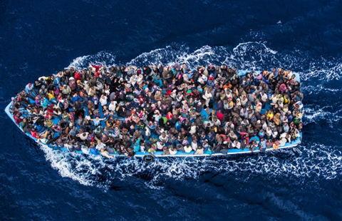 L'étranger dans les lois de Noé et le Décalogue