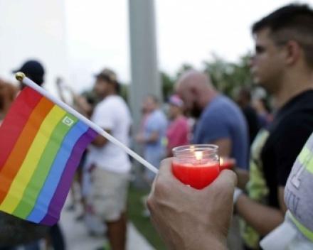 Juifs, musulmans, chrétiens et homos