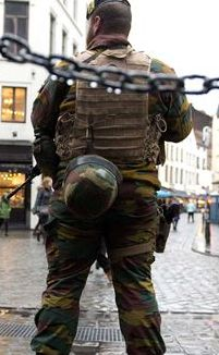 Face à l'islamisme et aux extrêmes droites